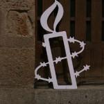 Logo d'Amnesty International, par Tamorlan. Licence CC BY 3.0, via Wikimedia Commons