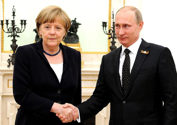 Angela Merkel et Vladimir Poutine à Moscou, mai 2015. © Kremlin.ru Licence CC BY 3.0, via Wikimedia Commons