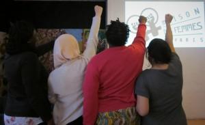 Aminata, Maryam, Cécile et Hakima ont bénéficié d'un accompagnement à l'emploi par la Maison des femmes de Paris. Elles espèrent obtenir des papiers pour enfin s'intégrer en France.