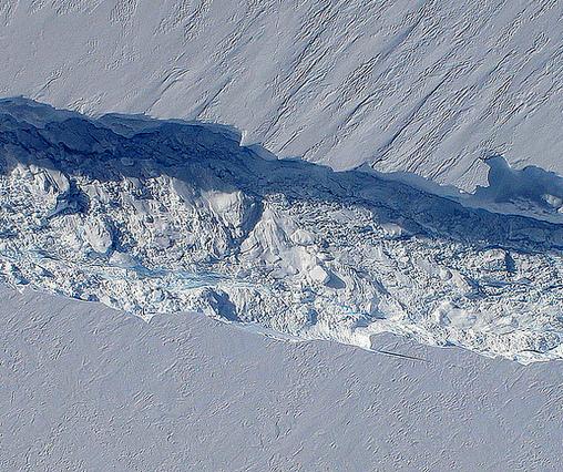 """Naissance d'un iceberg"", Antarctique. Par NASA's Earth Observatory sur Flickr"