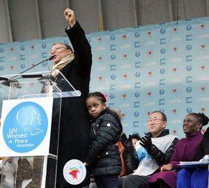 Leymah Roberta Gbowee, militante des droits des femmes et Prix Nobel de la Paix 2011, le 8 mars 2015 à New York. © UN Photo/Devra Berkowitz
