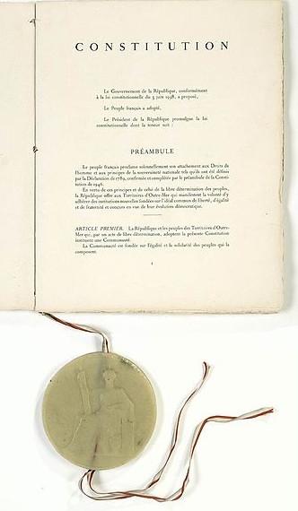 Constitution du 4 octobre 1958 - Collections du Musée des Archives nationales