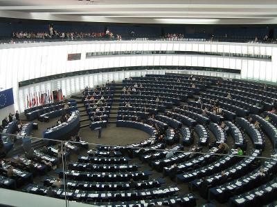 Le Parlement européen à Strasbourg. Par Jlogan [Domaine public], via Wikimedia Commons